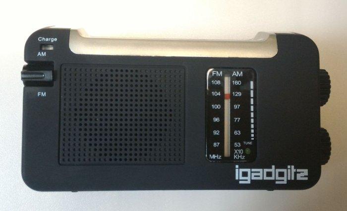 Radio con pannello solare e manovella igadgitz